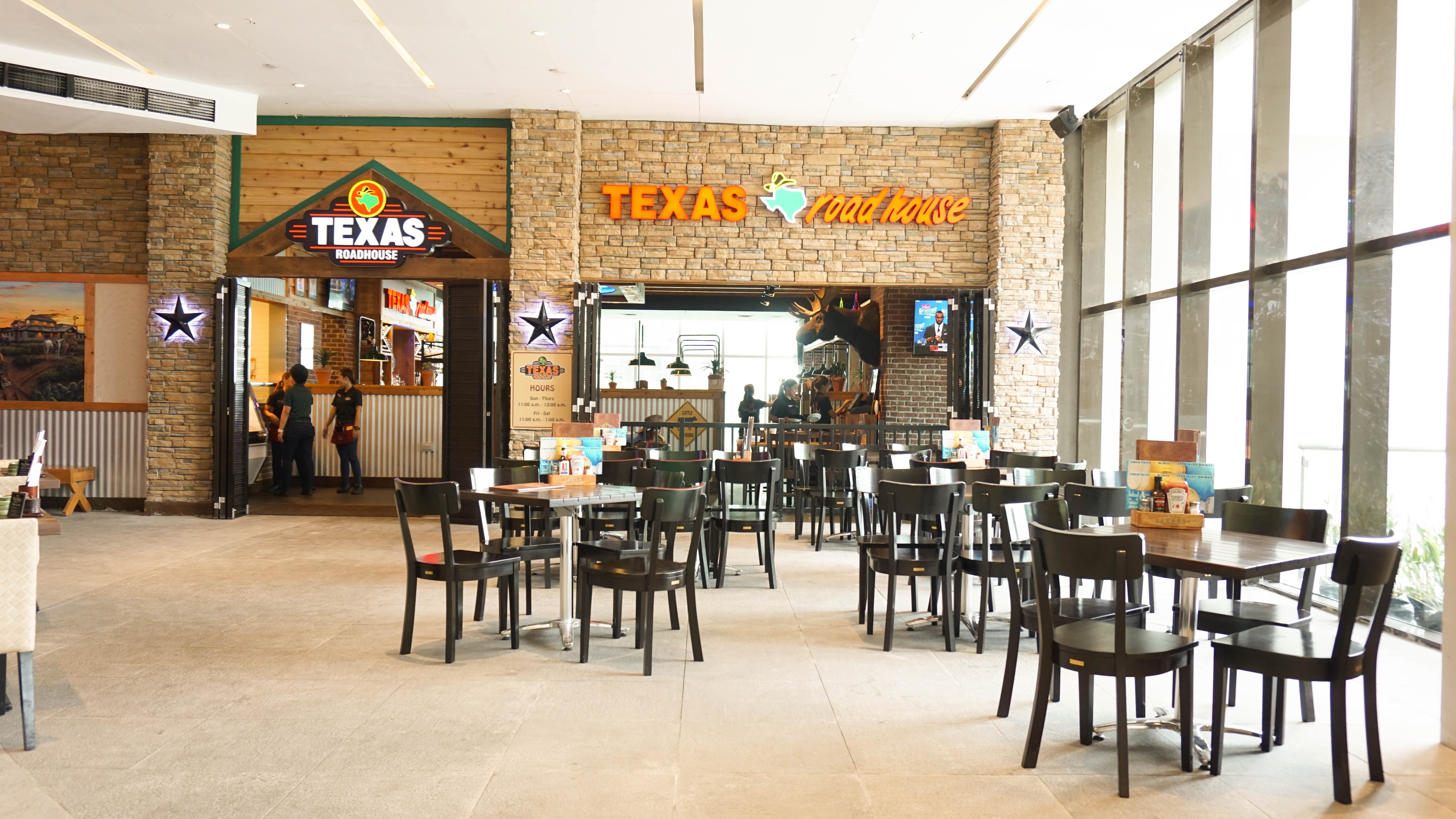 Texas Roadhouse, where to eat Tex-Mex in Metro Manila, Tex-Mex restaurants in BGC Uptown Taguig City Metro Manila Philippines, family restaurants in Metro Manila, where to eat American food in Metro Manila, zomatoph,